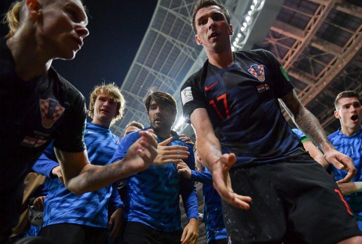 Những bức ảnh độc đáo của đội tuyển Croatia sau bàn thắng quyết định bán kết World Cup 2018   50mm Vietnam