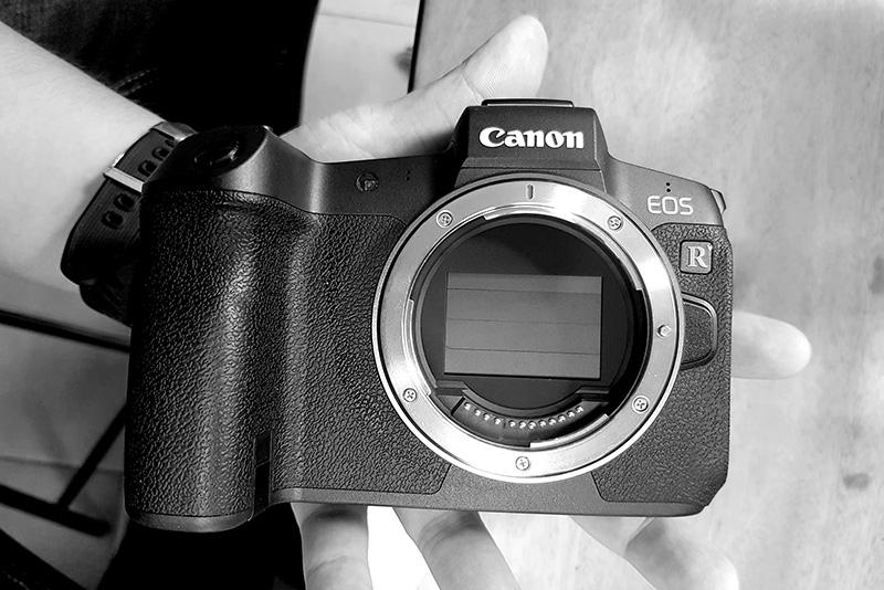 Canon sẽ ra mắt firmware nâng cấp cho EOS R: Dần san bằng lợi thế của đối thủ   50mm Vietnam