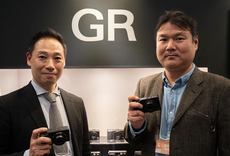 Phỏng vấn giám đốc Ricoh: một số người dùng mirrorless sẽ quay về với DSLR   50mm Vietnam