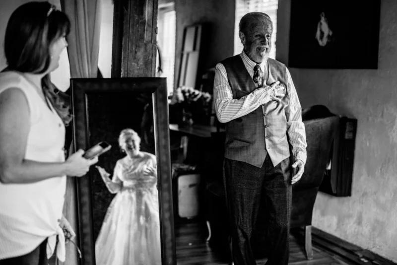 Cùng ngắm bộ ảnh kỉ niệm 60 năm ngày cưới của một cặp vợ chồng già | 50mm Vietnam