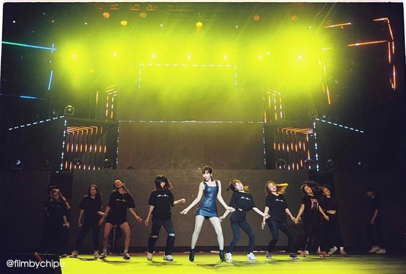 """Sau danh xưng hot girl, ca sĩ, diễn viên, giờ Chi Pu đang """"lấn sân"""" sang cả Nhiếp ảnh!"""