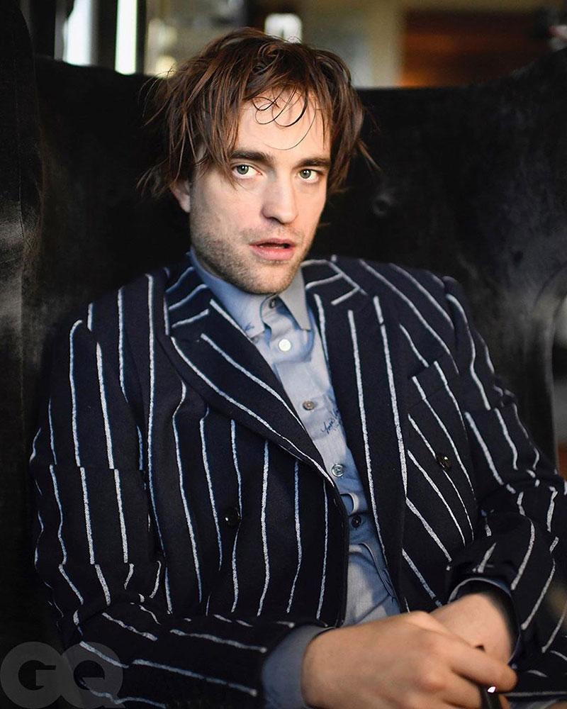"""""""Ma cà rồng"""" Robert Pattinson tự chụp ảnh bìa tạp chí GQ   50mm Vietnam"""