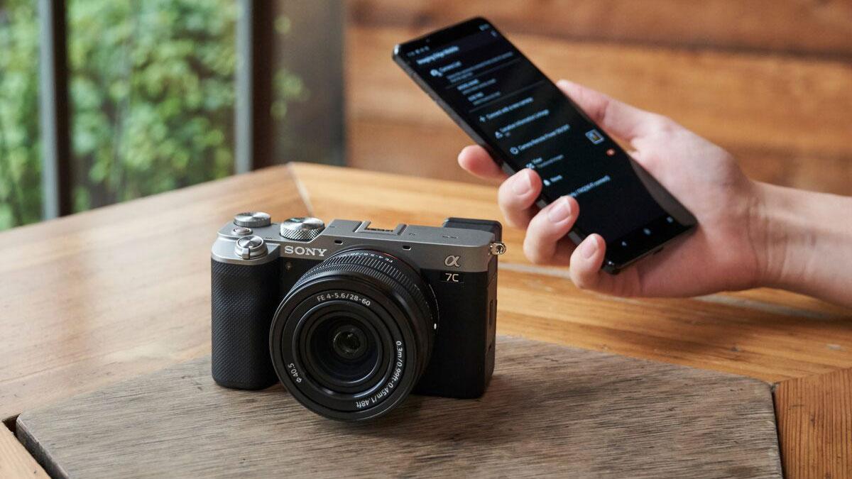 Máy ảnh full-frame siêu gọn Sony a7C chính thức ra mắt!